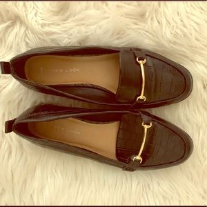 BLACK AND GOLD ASOS FLATS